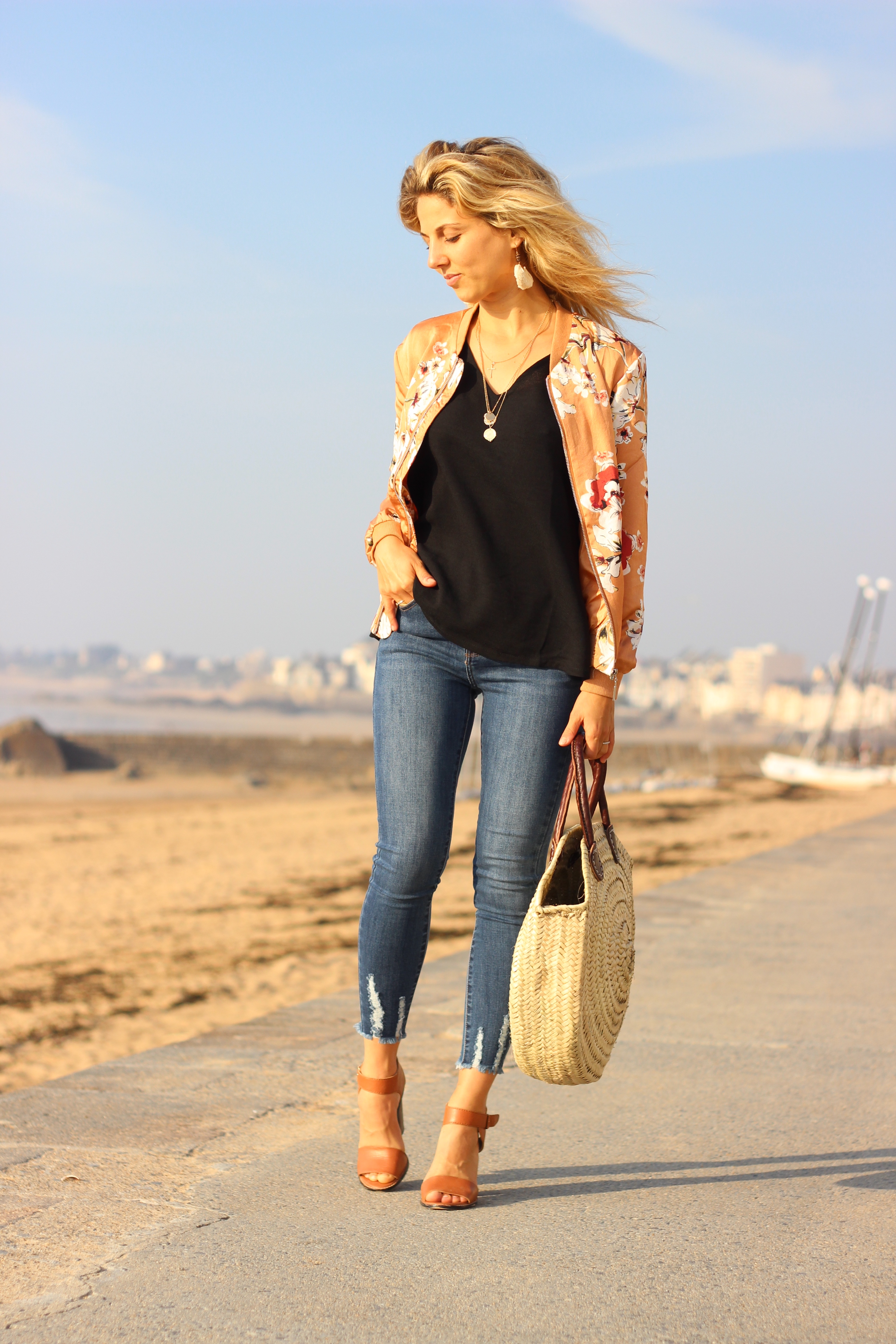 irl-collection-showroomprivé-vêtement-blouse-noir-blazer-jean-look-plage